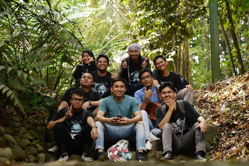 Karyawan AQI Jakarta Office Piknik ke Kebun Raya Bogor