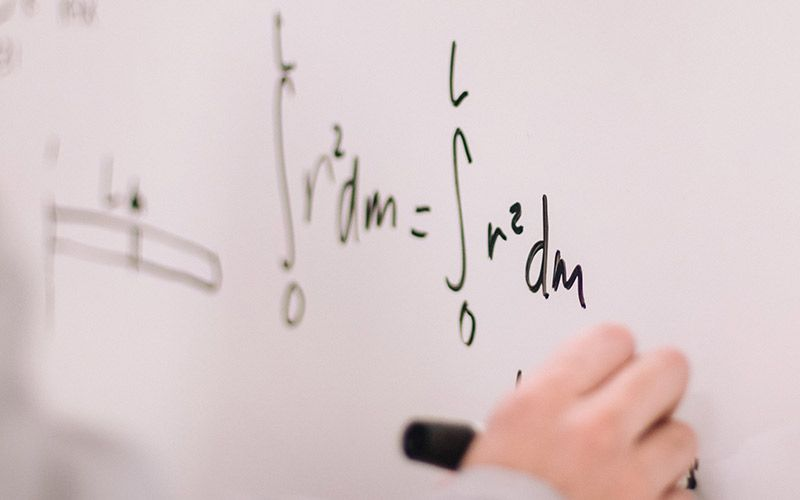 Should Programmers Be Good at Math?